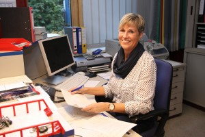 Frau Jappe, Leitung des Schulbüros